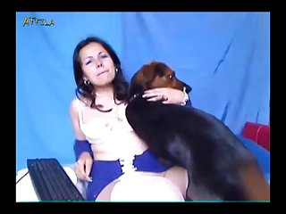 Amateur Webcam Lady And Dog 2 (part 3)